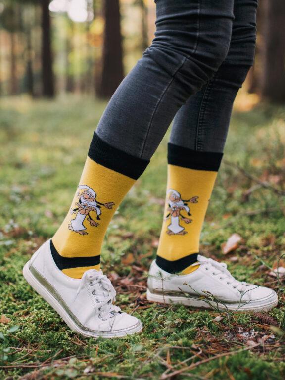 Ponožky a roušky z pohádkové kolekce značky Fusakle vás vrátí do dětství nejen na Vánoce