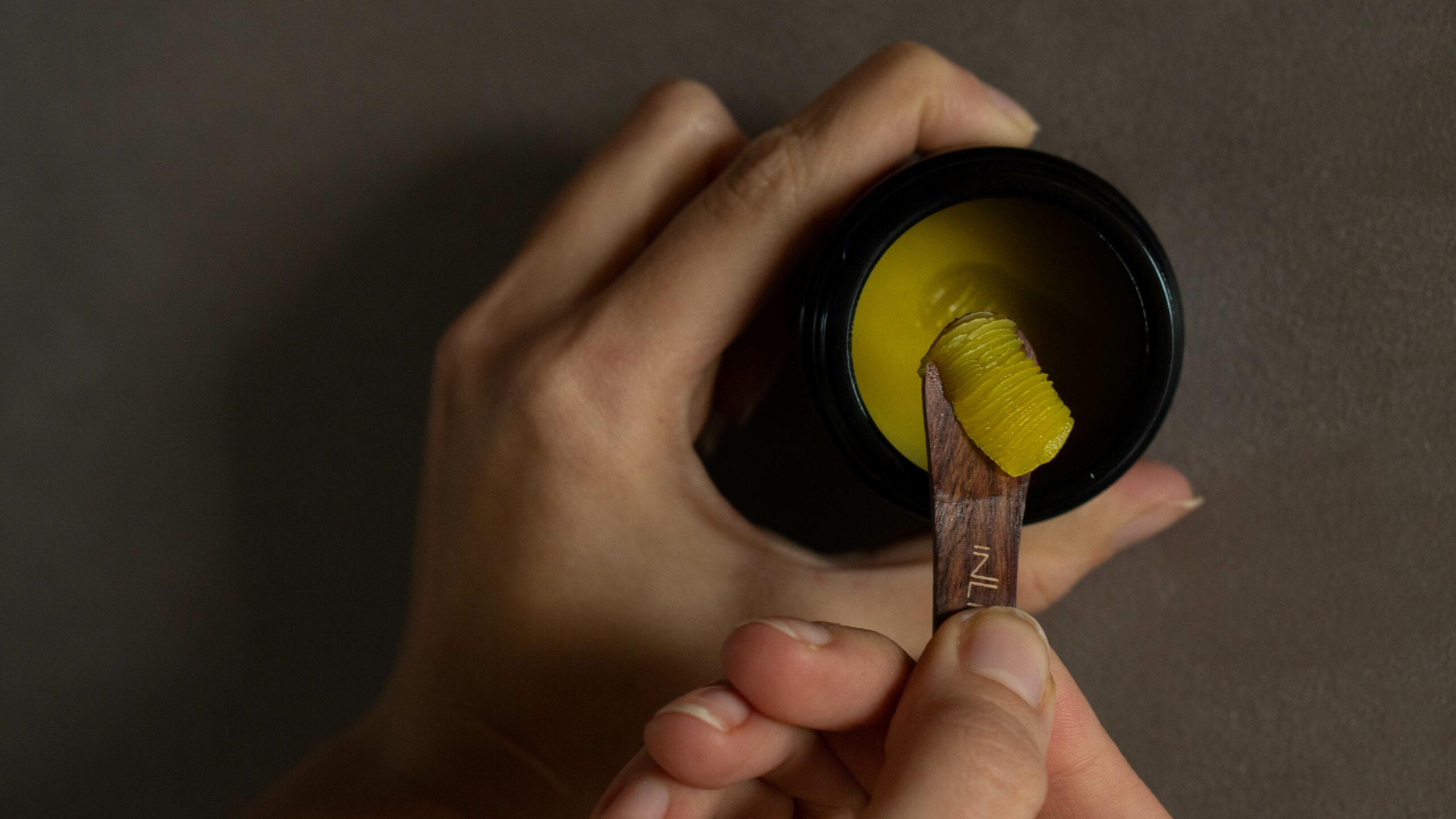 Máte suchou pokožku z dezinfekce? Dopřejte si 100% přírodní bylinkové balzámy