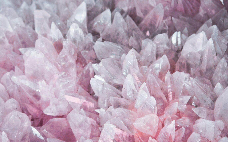 Šperky z minerálů prospívají i alergikům