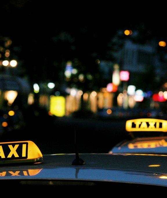 VELKÁ RECENZE: Vyzkoušela jsem UBER, Liftago a Taxify! Která taxi aplikace je ta nejlepší?